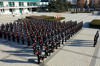"""洛阳铁路警方开展系列活动 庆祝首个""""人民警察节"""""""