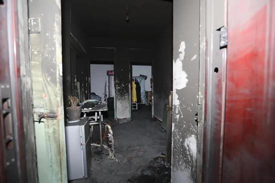 开封一民房起火3人被困 电动车停放室内是极度危险行为