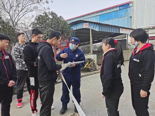 """南阳消防支队""""多种途径""""全面掀起冬季防火宣传新热潮"""