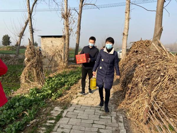 邓州:新春慰问暖人心