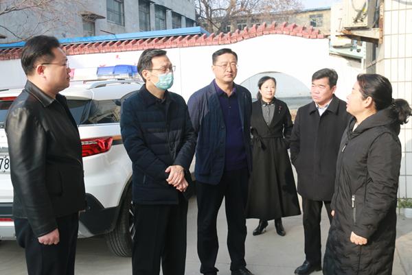 商丘中院院长陈殿福到梁园区慰问基层法庭干警