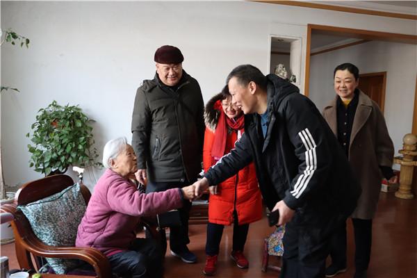 南阳宛城区法院走访慰问离退休老干部