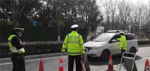 新野县交警大队开展春节期间酒醉驾集中整治行动