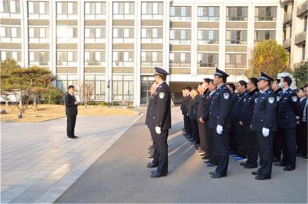 商丘市睢阳区法院举行升旗仪式安排重点工作