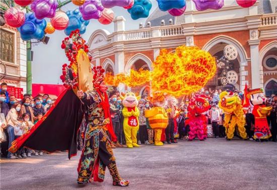 郑州电影小镇春节迎客累计20余万人次,成为市民就地过年打卡热地!