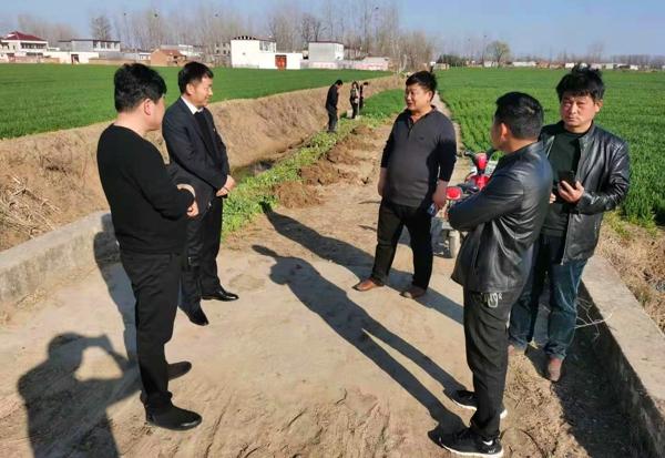 新蔡县政府副县长刘久锋到黄楼镇调研指导植树造林工作