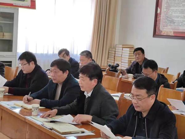 新野:县长现场办公力促教育发展
