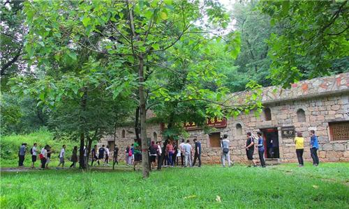 3月6日-8日妇女节期间,伏羲山旅游区对所有女性游客免收门票