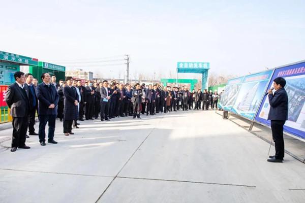 政协第十二届唐河县委员会委员观摩团莅临县人民医院视察新址建设情况