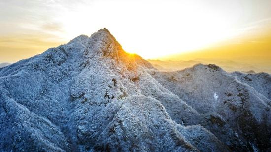 三门峡:春雪扮靓山川
