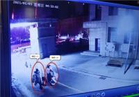"""郑州二七万达商户鞋服被盗,民警追踪擒获2名""""闺蜜""""女贼"""