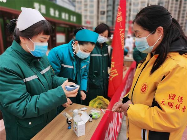 """商丘市睢阳区组织开展""""文明健康,有你有我"""" 送健康科普宣传活动"""