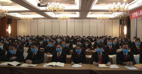 """新野县法院邀请全国人大代表王馨宣讲""""两会""""精神"""