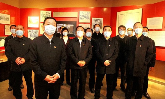 孙守刚带领省委统战部党员干部赴郑州二七纪念馆参观学习