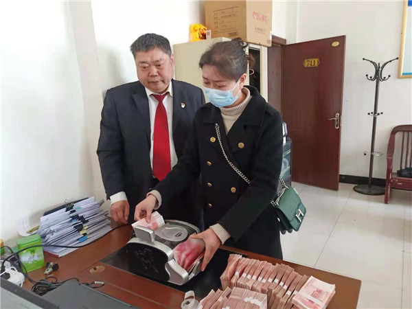 西峡县法院:初春寒未尽 用心执行暖人心