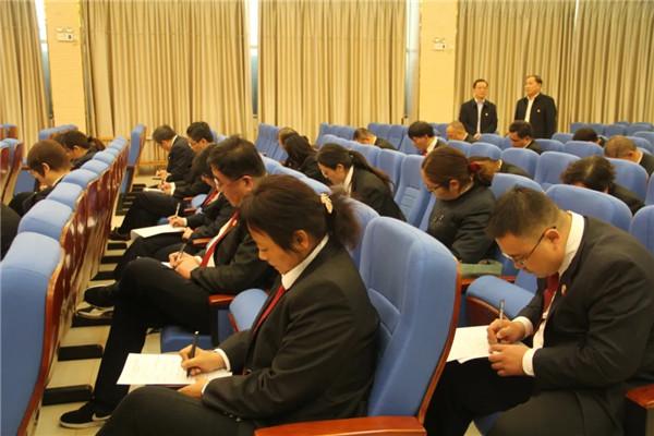 南阳卧龙区委政法委组织区法院干警开展政法队伍教育整顿理论知识测试