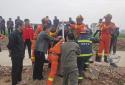 村民不慎坠入十米深井 河南鹤壁消防员下井成功救援