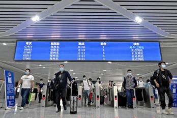 清明节假期 郑州铁路预计发送旅客220万人
