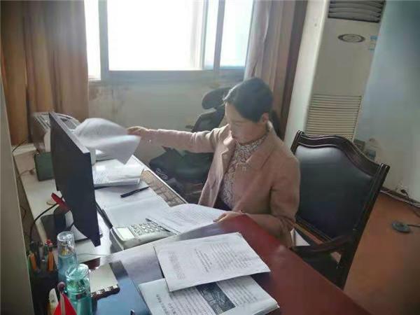 """匠心网络 贴心服务——新野联通公司刘平副总经理的""""四个自信"""""""