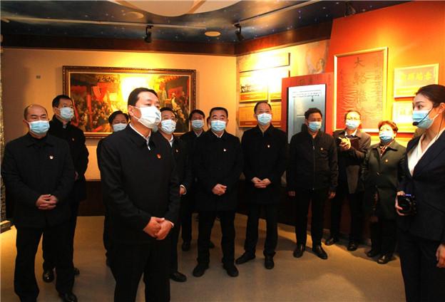 孙守刚带领省委统战部党员干部赴二七纪念馆参观学习