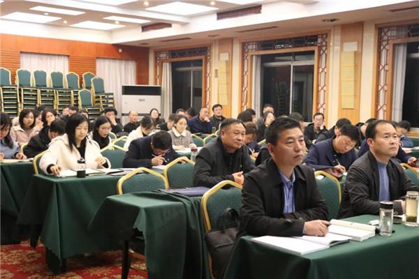 南阳卧龙区委政法委召开警示教育大会