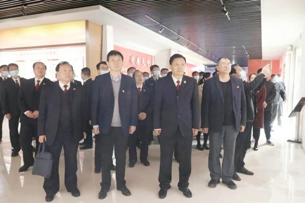 汝南县政法队伍领导小组赴驻马店市纪委宣传教育基地接受廉政警示教育