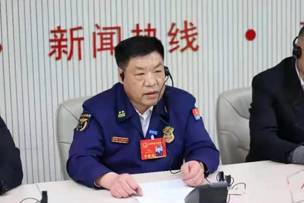 南阳消防支队主官走进12345市长热线 倾听民生民意 解读政策措施