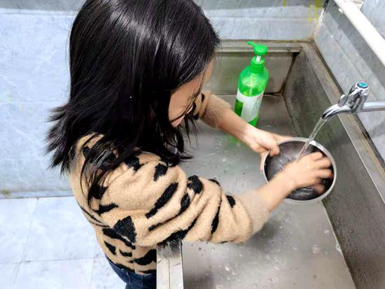我劳动我快乐!郑州二七区京广路小学举办五一劳动节主题活动