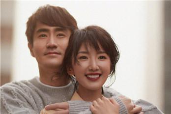 毛晓彤杨玏合拍情侣大片 各种亲密互动太甜了
