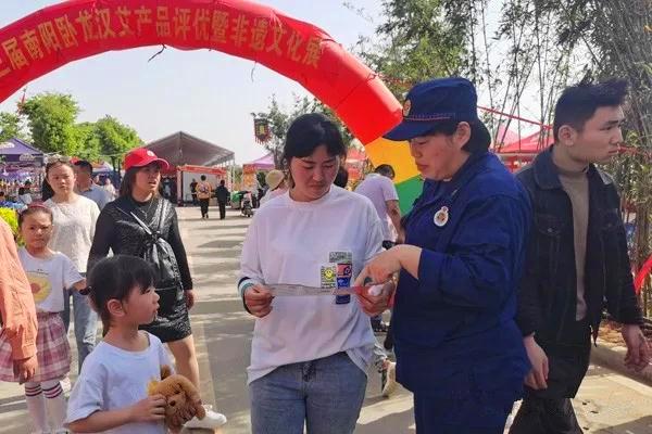 南阳消防支队节日期间消防宣传不停歇