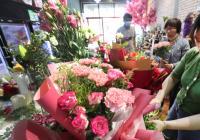 开封:母亲节鲜花销售红火
