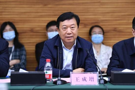 新疆哈密市委常委汤梅率团到河南省肿瘤医院考察访问