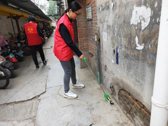"""郑州花园路街道组织开展""""绿城使者-小红象·周周行""""活动"""