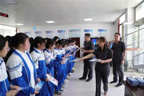 拒绝毒品 护佑成长——邓州市法院禁毒宣传在行动