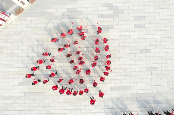 【永远跟党走奋进新征程】郑州互联网企业开展#我想唱歌给党听#传唱接力活动
