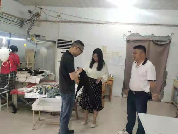 汝南县留盆镇领导走访企业调研服务促发展