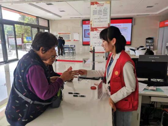 无障碍 不折腾 郑州高新区石佛办事处便民服务中心开设老年人服务专窗