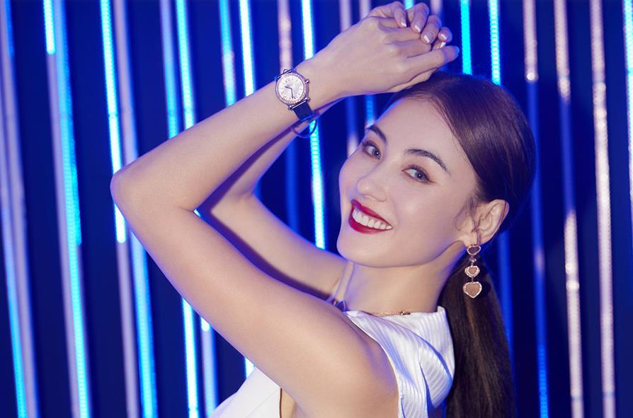 张柏芝最新写真曝光 干练造型演绎别样时尚魅力