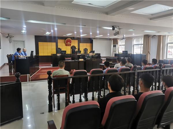 """宁陵县法院院长审理""""醉驾""""案 邀请驾校学员庭审受教育"""