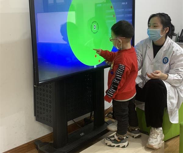 中牟县妇幼保健院一行到郑州童瞳眼科医院交流学习