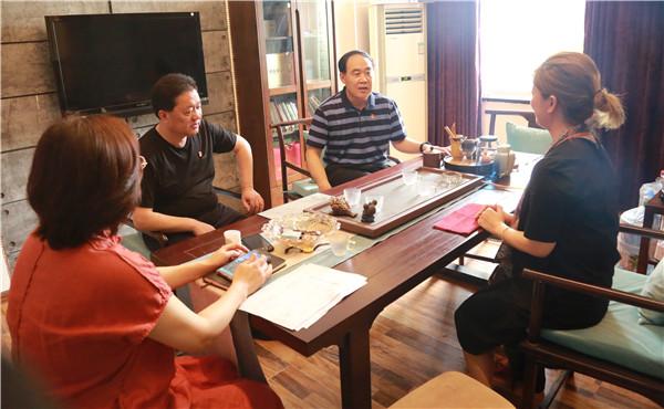 镇平县法院党组书记、院长裴宗全到包联企业走访调研