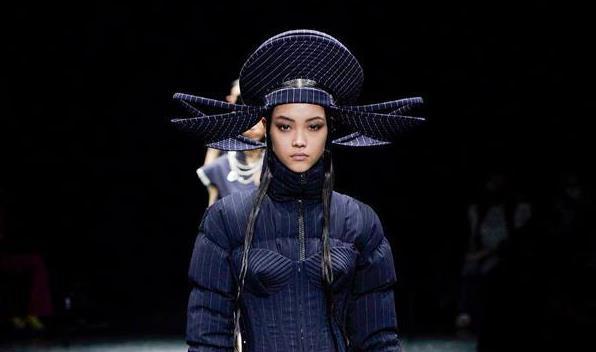 【巴黎时装周】让·保罗·高缇耶品牌发布秋冬高级定制新品