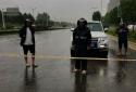 郑州高新区石佛办事处欢河村两委、村民组长深夜营救被困人员