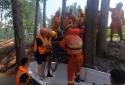 生命的托举——河南鹤壁消防指战员架设人工天桥转移瘫痪老太