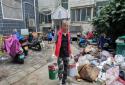 党员助力 郑州高新区石佛办事处西湖春天社区居民灾后自救