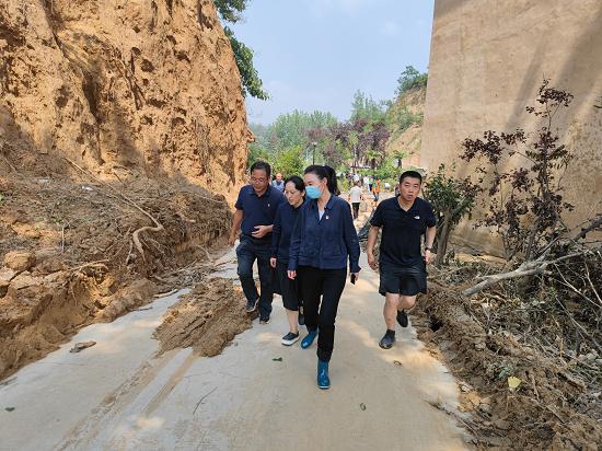 郑州市委统战部到二七区调研防汛抗灾工作