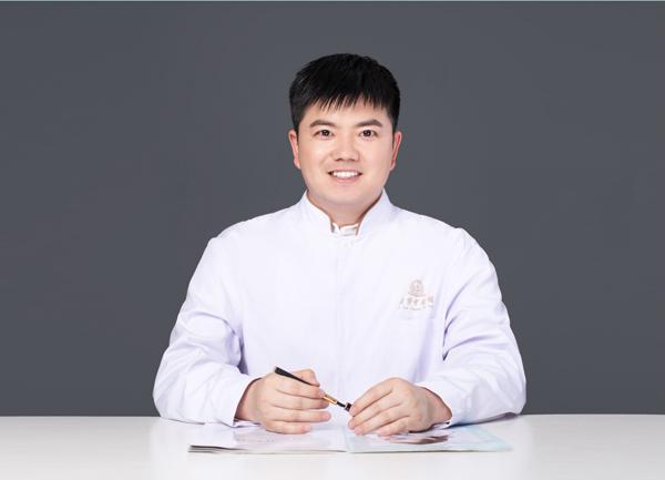 """河南中医王贇:一位脚踏实地的年轻""""老""""中医"""