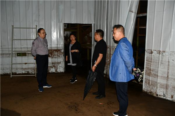 南召农商银行实地走访调研受灾企业