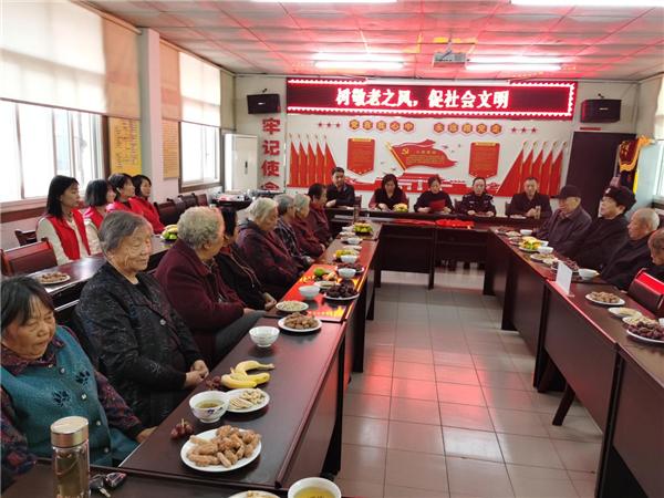 """唐河文峰街道:反诈宣传进社区 守护老人""""钱袋子"""""""