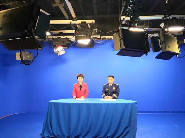 南阳消防救援支队支队长邓战磊作客市电视台录制访谈节目